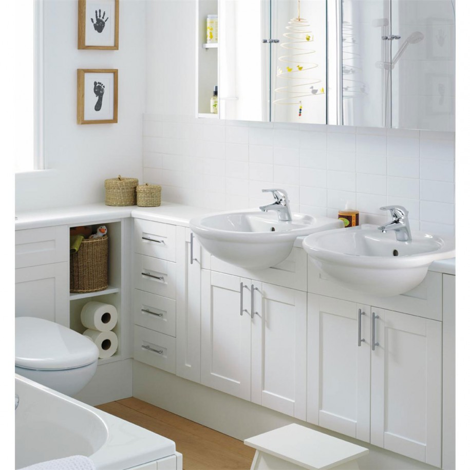 Vonios baldai for Beautiful bathroom designs for small spaces