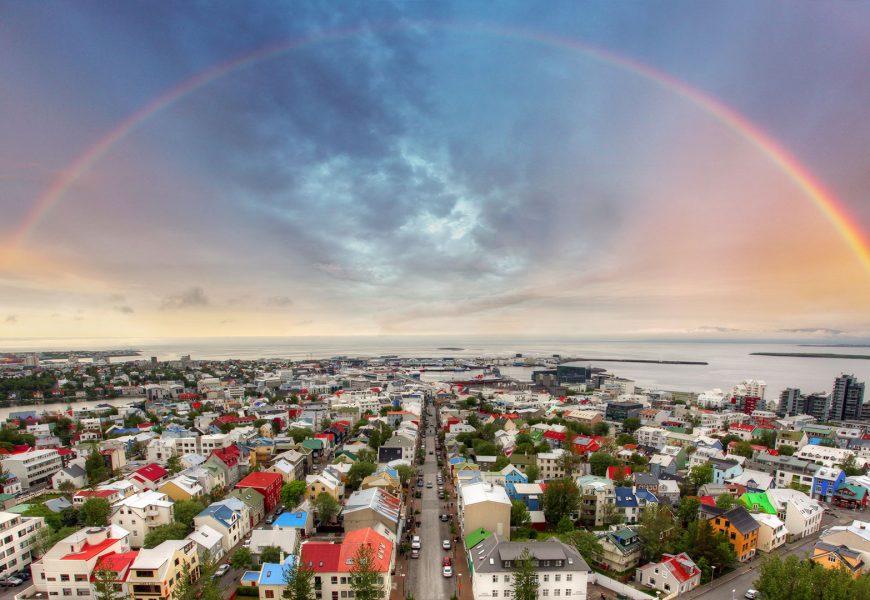 Apie darbą ir gyvenimą Islandijoje. Vis daugiau lietuvių čia keliauja. Kodėl?