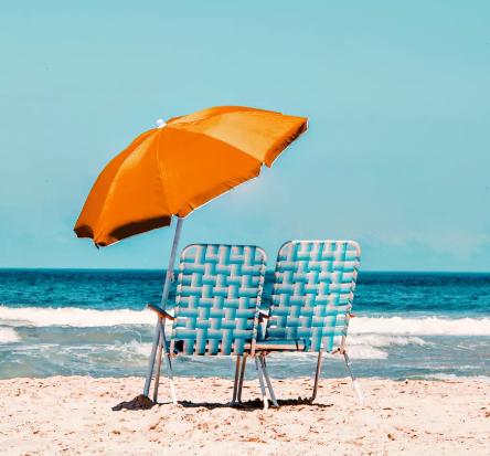 Oranžinis paplūdimio skėtis